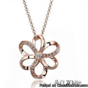 Alloy diamond stereoscopic hollow necklace