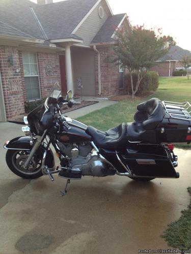 Harley Davidson Electra Glide FLHT Standard Edition