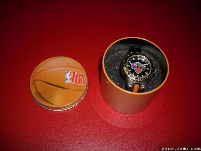 New York Knicks Brand new watch - Price: $20