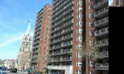Very Large L-Shaped (Alcove Bedrm) Studio Apartment With Large Balcony & Other Amenities: Gym, Doorman, Packages Kept. Walk To Subway, Buses, Lirr, Near By Family Court, Federal Building. Very Low Maintains, No Raises This Year.