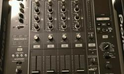 Hi For sale is my beloved Dj Set includes 2x Pioneer CDJ-2000 Multi Player Nexus 1x Pioneer DJM-900 Nexus Professional Mixer 1x Matching from Zomo The set was always handled with care of me and was only home in use. Accessories such as cables, etc. are of