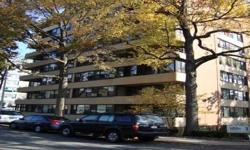 (VIC) Very Spacious 1 Br In Lehavre Features 1 Full Bath, Lr/Dr Combo, And Kitchen With Stove, Refrigerator, And Dishwasher, 2 Acs, And Lots Of Closets. Excellent Location With Plenty Of Street Parking. Parking Space Available At Additional Cost! Building