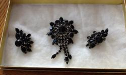 Beautiful Vintage Black Onyx Broach Pin & Clip Earrings in Perfect condition- More than 50 years old. -$45 EMAIL YOUR SINCERE INTEREST, LOCATION, AVAILABILITY & CONTACT # SO THAT A TIME AND PLACE MAY BE FINALIZED. I WILL MAKE RETURN CONTACT. I