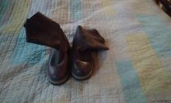 Nice women clothes and ga boots. Took care of.there is more then this. You can ask for pictures text me. 229 289 2528